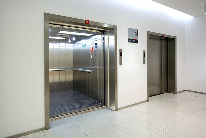 Small And Large Freight Elevators